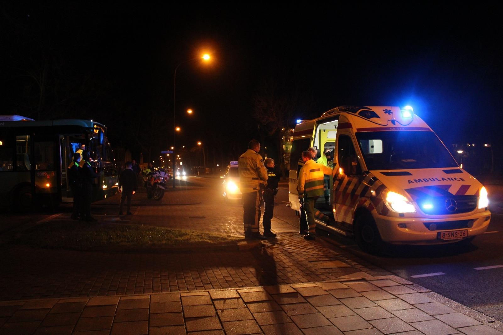 Fietser geschept door bus