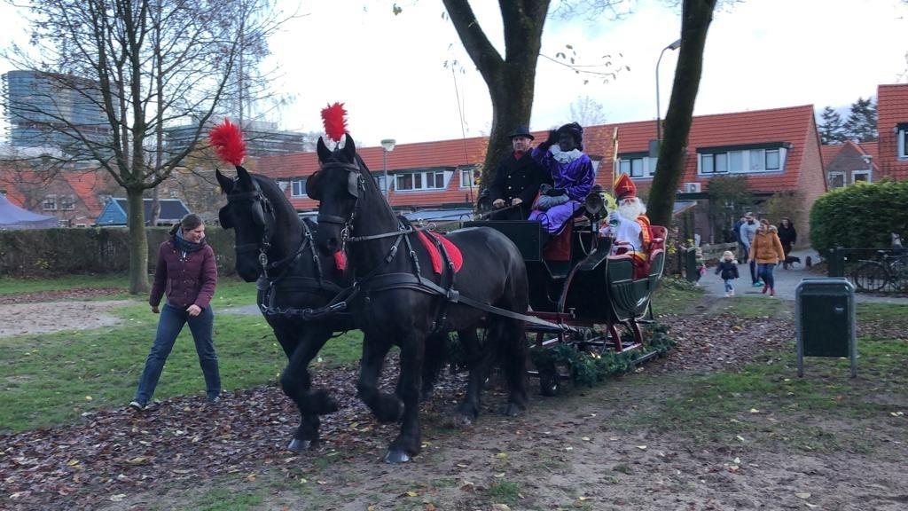 Sinterklaas bezoekt basisschool Sint Victor in arrenslee