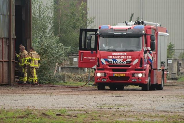 Brand in loods zorgt voor grote inzet brandweer