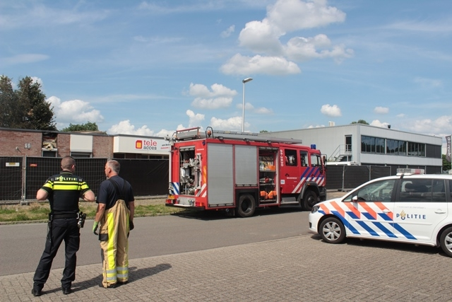 Grote brand in bedrijfspand in Deventer