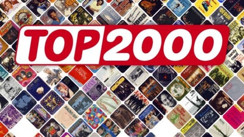 Top 2000 met het bord op schoot