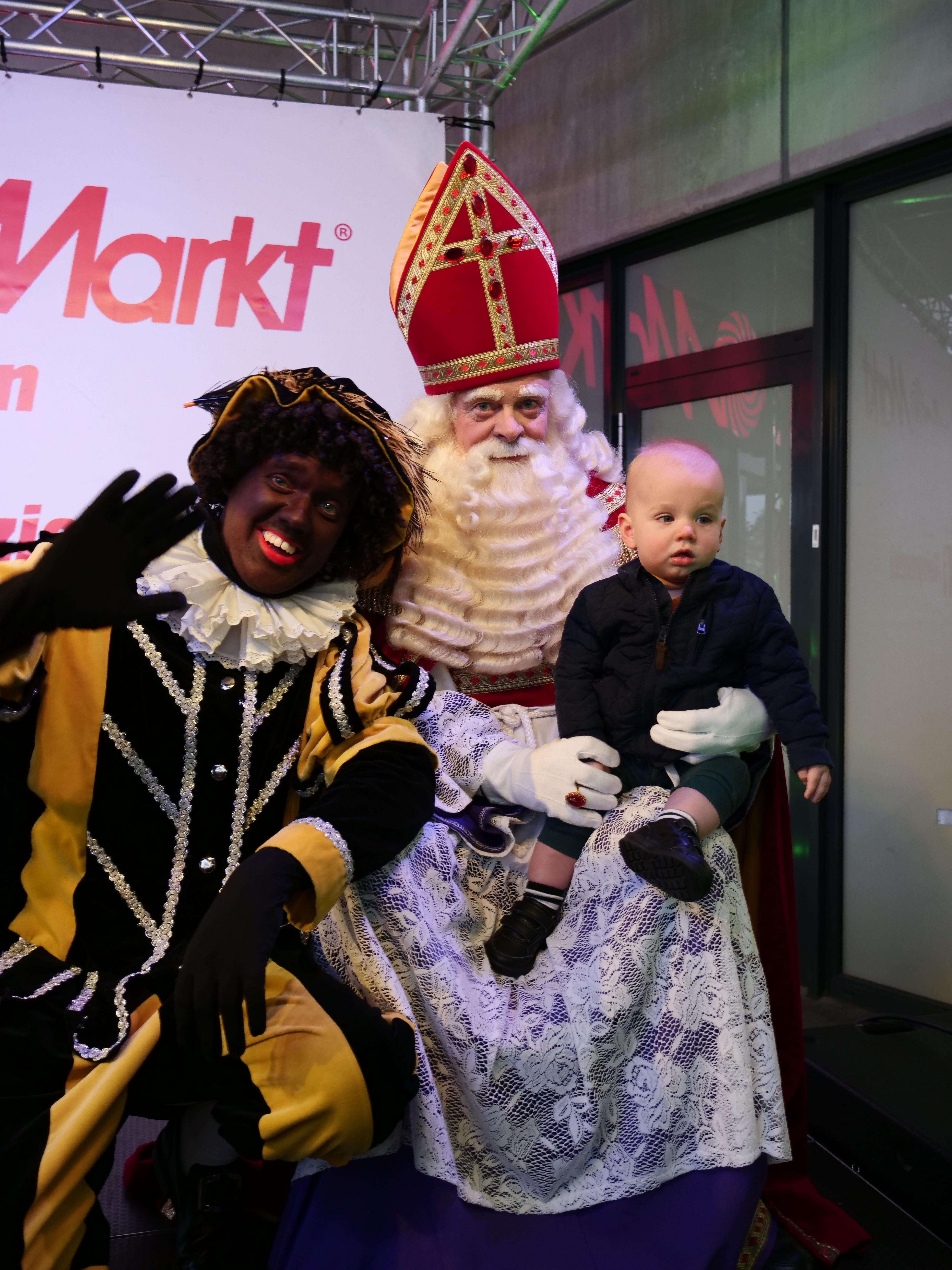 TheTeenz zingen voor Sint en Piet