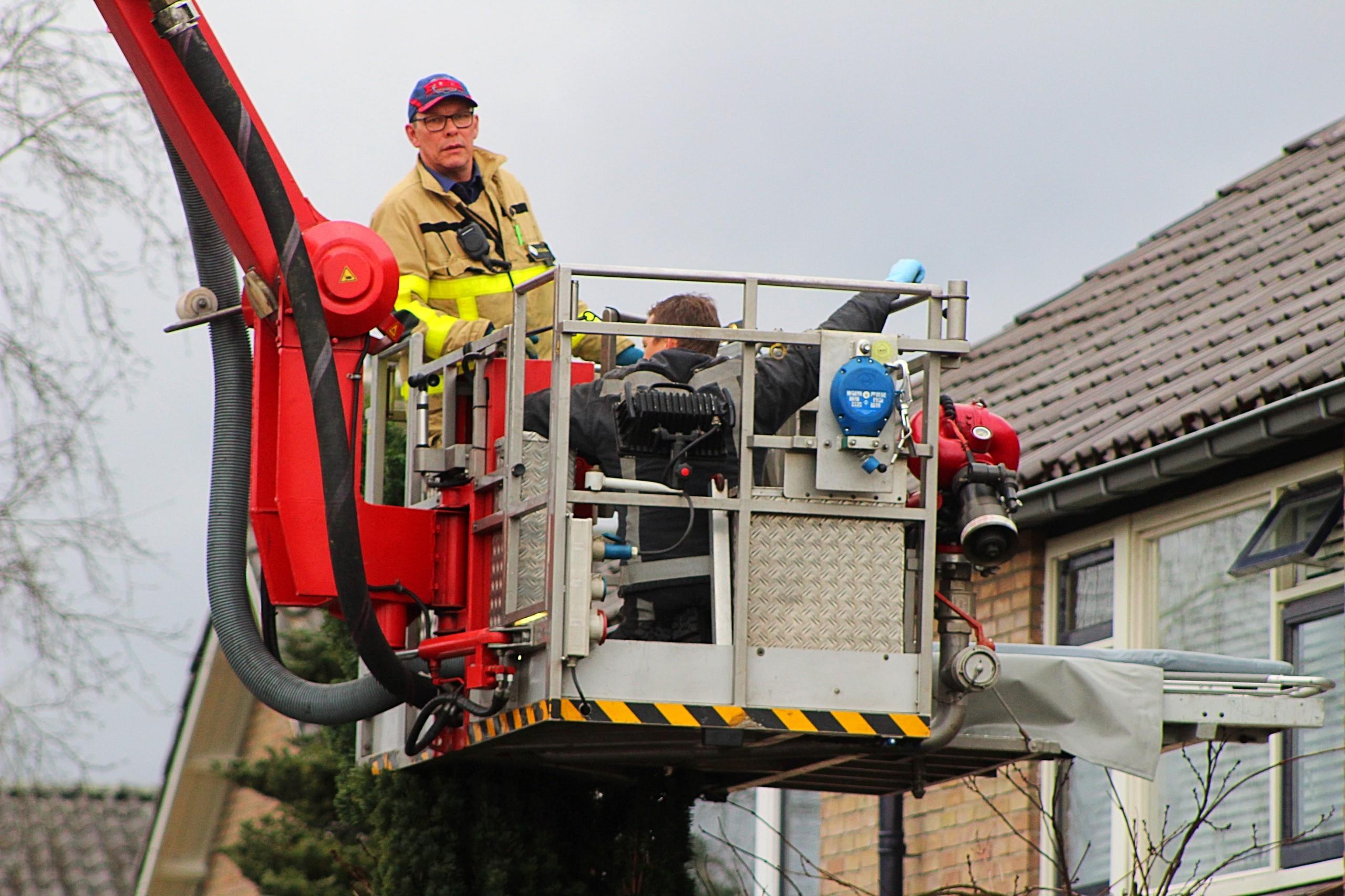 Brandweer assisteert ambulancebroeders