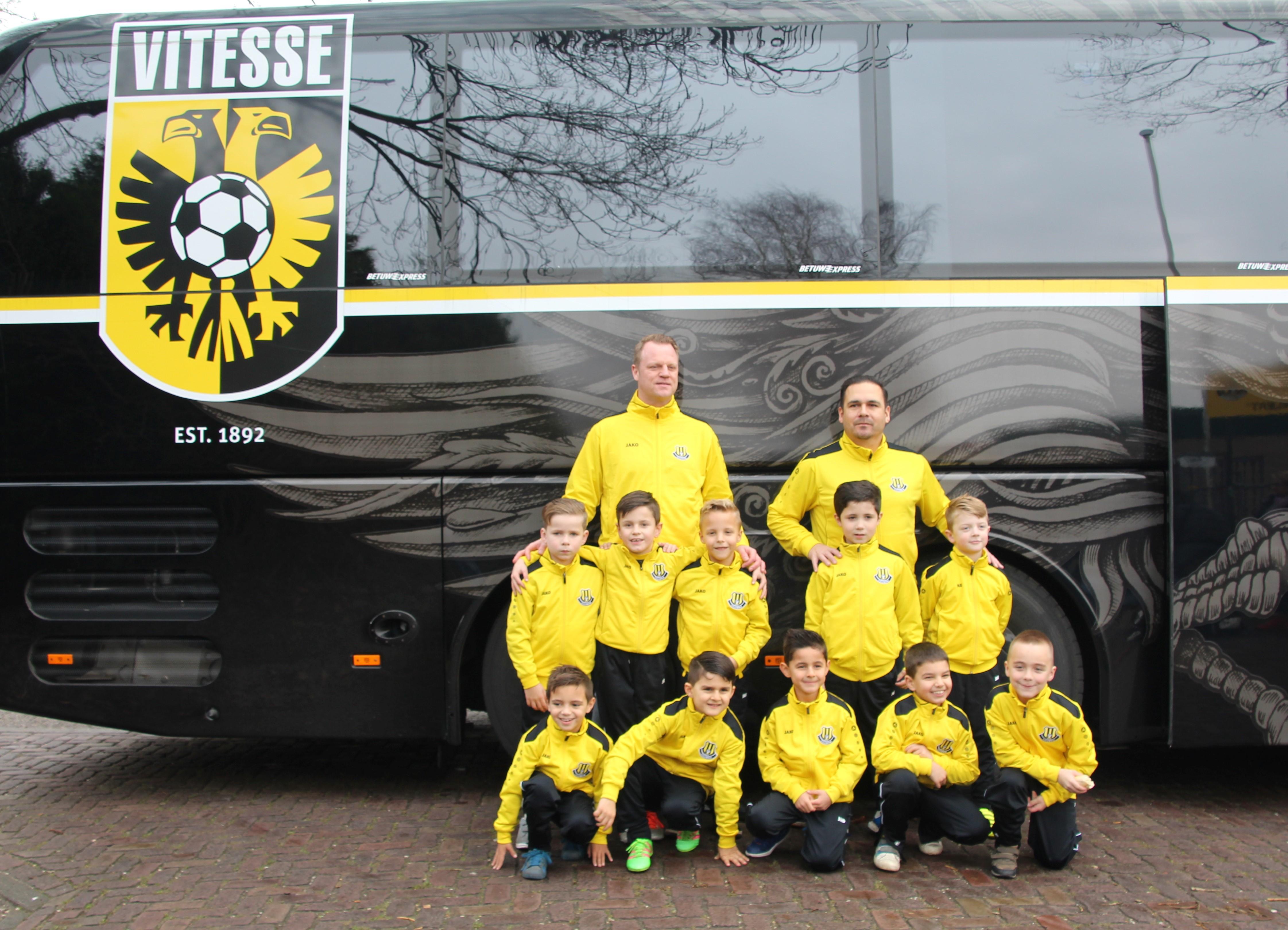 Voetbalclinic Vitesse: avv Columbia JO9-3,  de Kampioenen van de toekomst