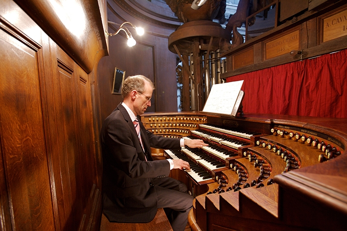 Feestelijk Oranjeconcert op Meere-orgel