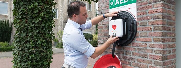 Overal een AED bereikbaar