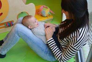 Baby's vermaken zich kostelijk bij Dikkertje Dap