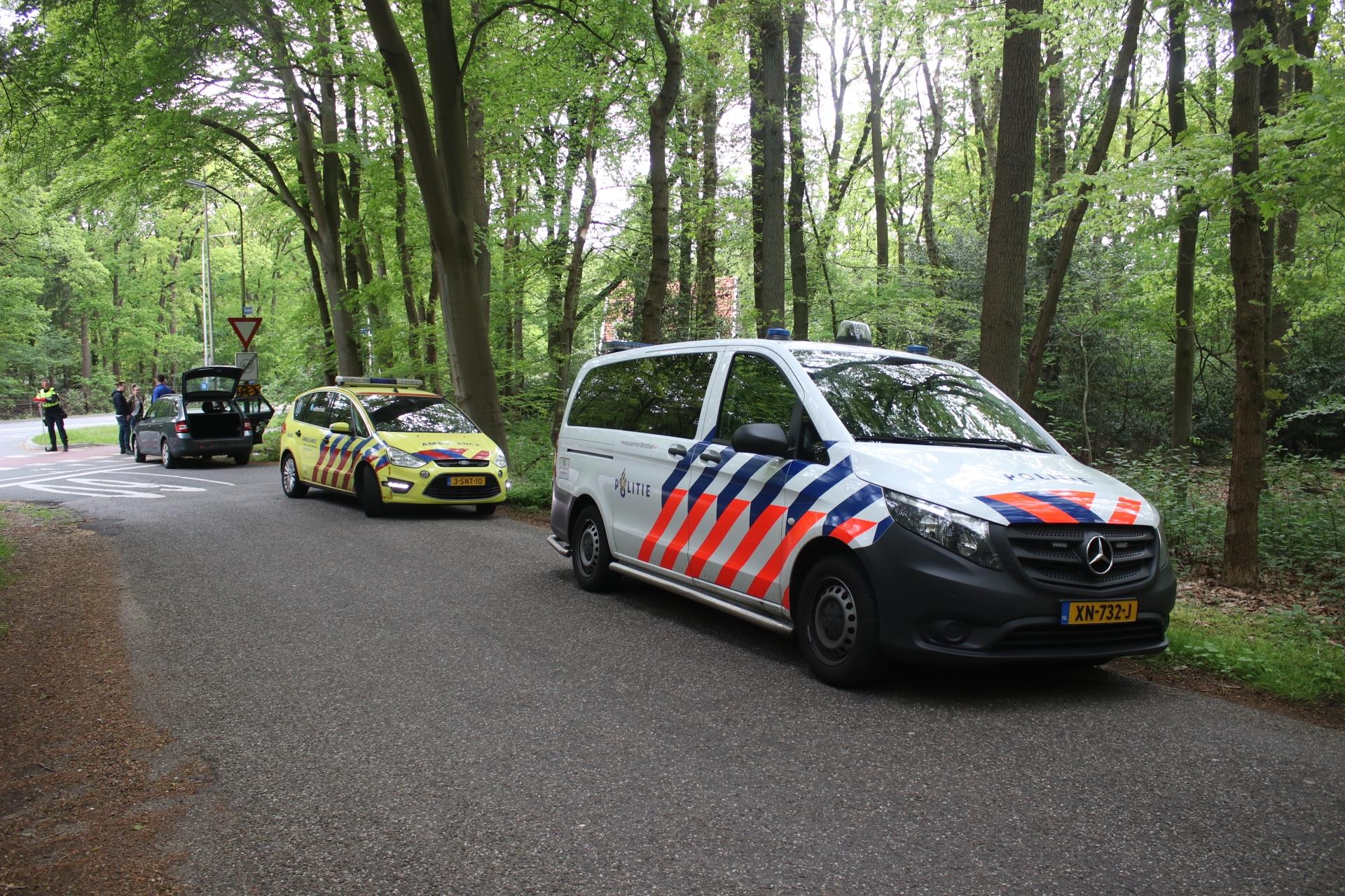 kindje krijgt traumabeertje na ongeval in Beekbergen