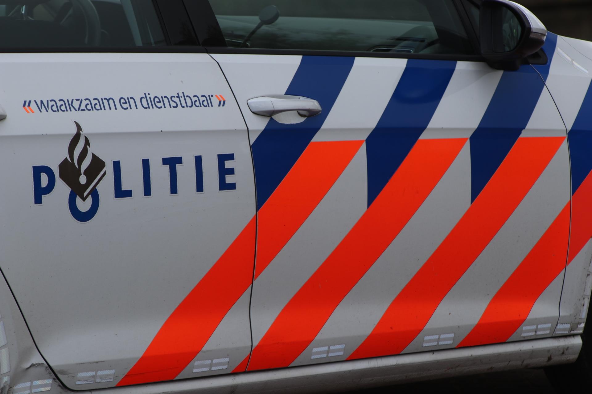 Politie zoekt getuigen van autobrand in Apeldoorn