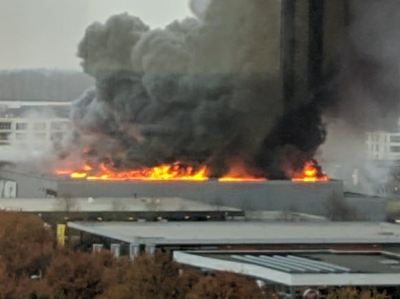 Geen gewonden bij grote brand Karwei