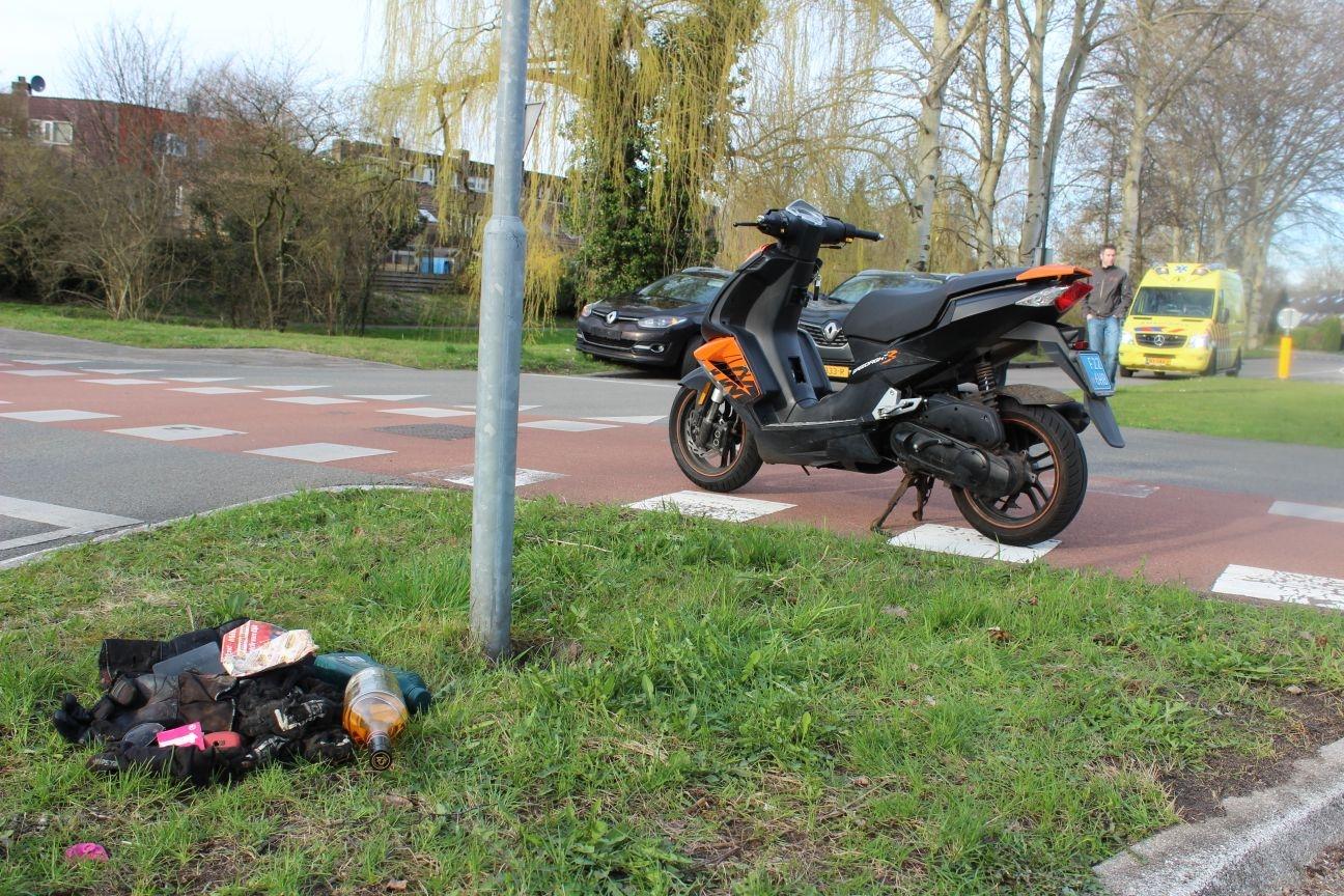 Scooterrijder licht gewond na aanrijding