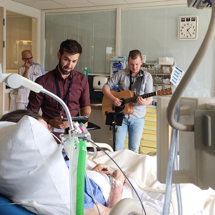 Aanhoudende vraag naar live-muziek aan ziekenhuisbed