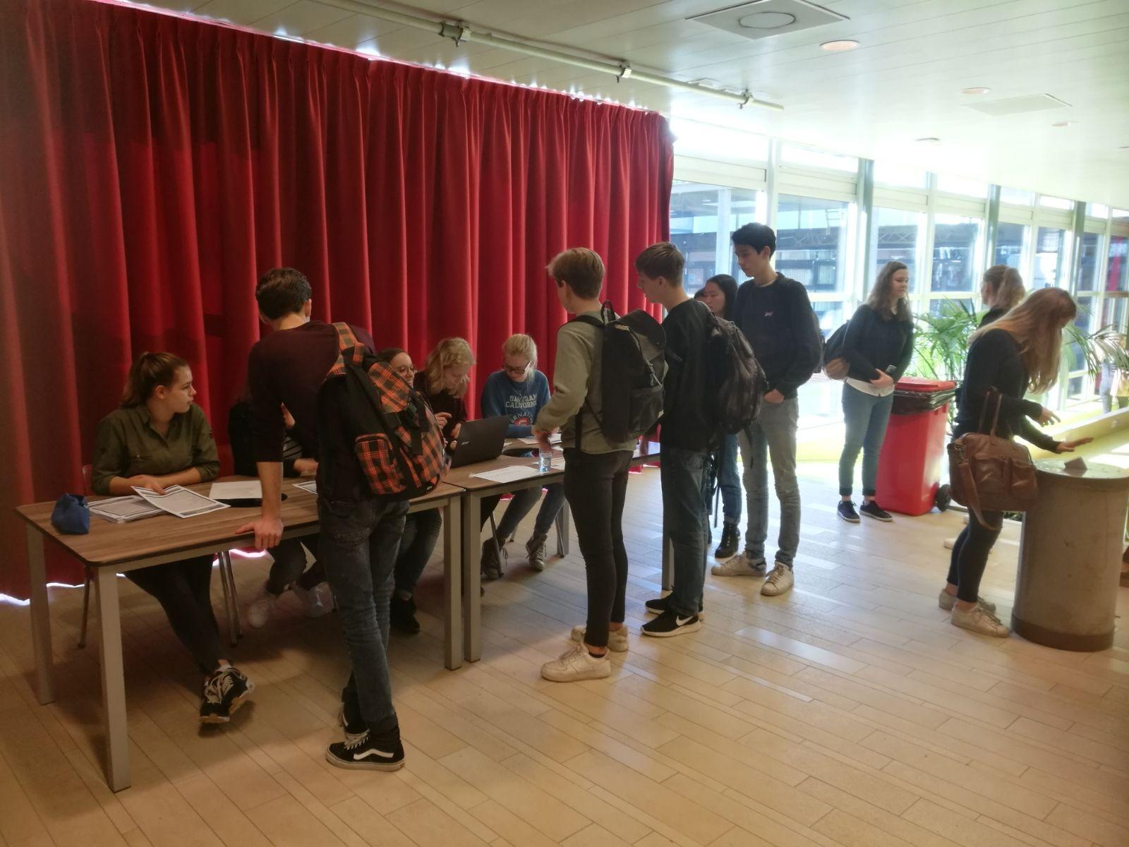 VVD en D66 grote winnaars scholierenverkiezingen