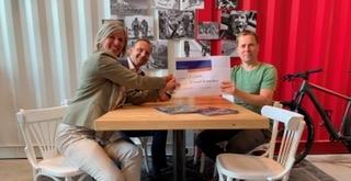 FuturumShop schenkt 68 fietsen aan Stichting Leergeld