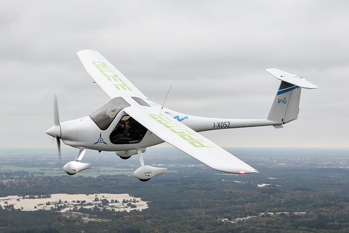 Ritje in elektrisch vliegtuig