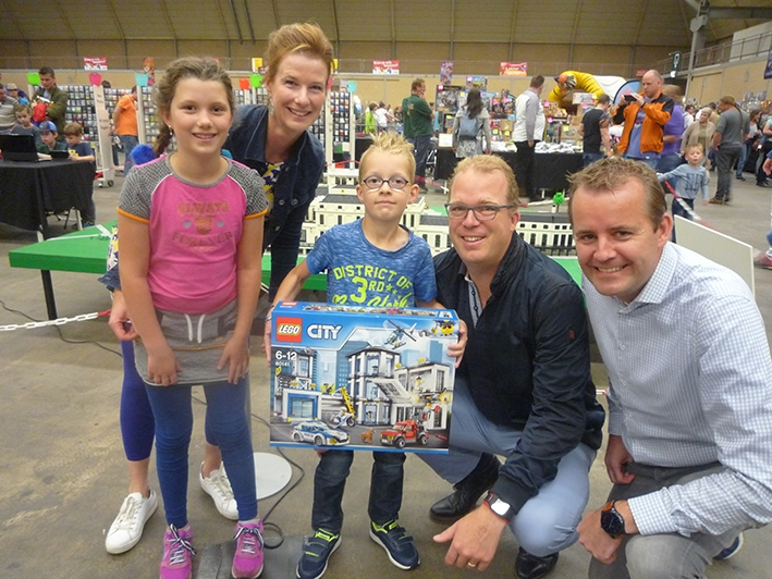 Tim winnaar lezersactie Lego-festijn