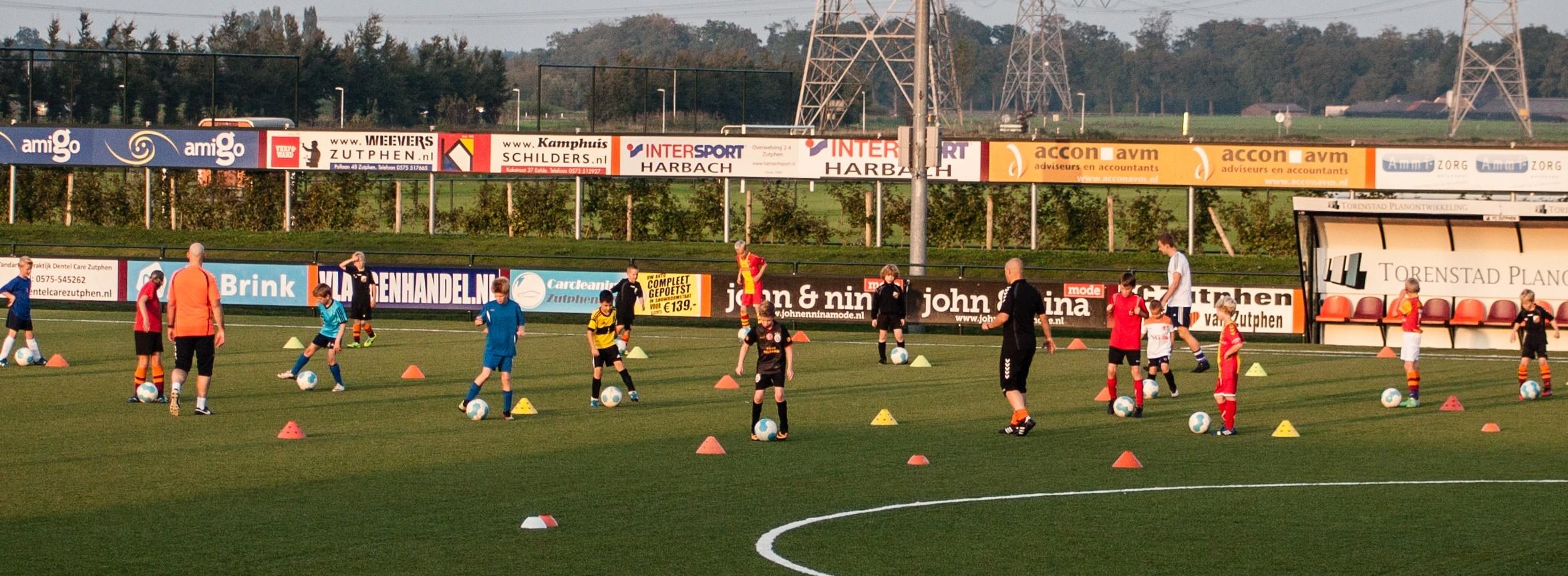 Voetbalschool FC Zutphen weer van start