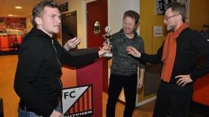 Mooie opbrengst FC Zutphen voetbalquiz ten bate van KWF