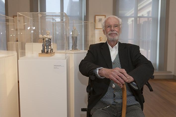 Kunstenaar viert 90e verjaardag met expositie
