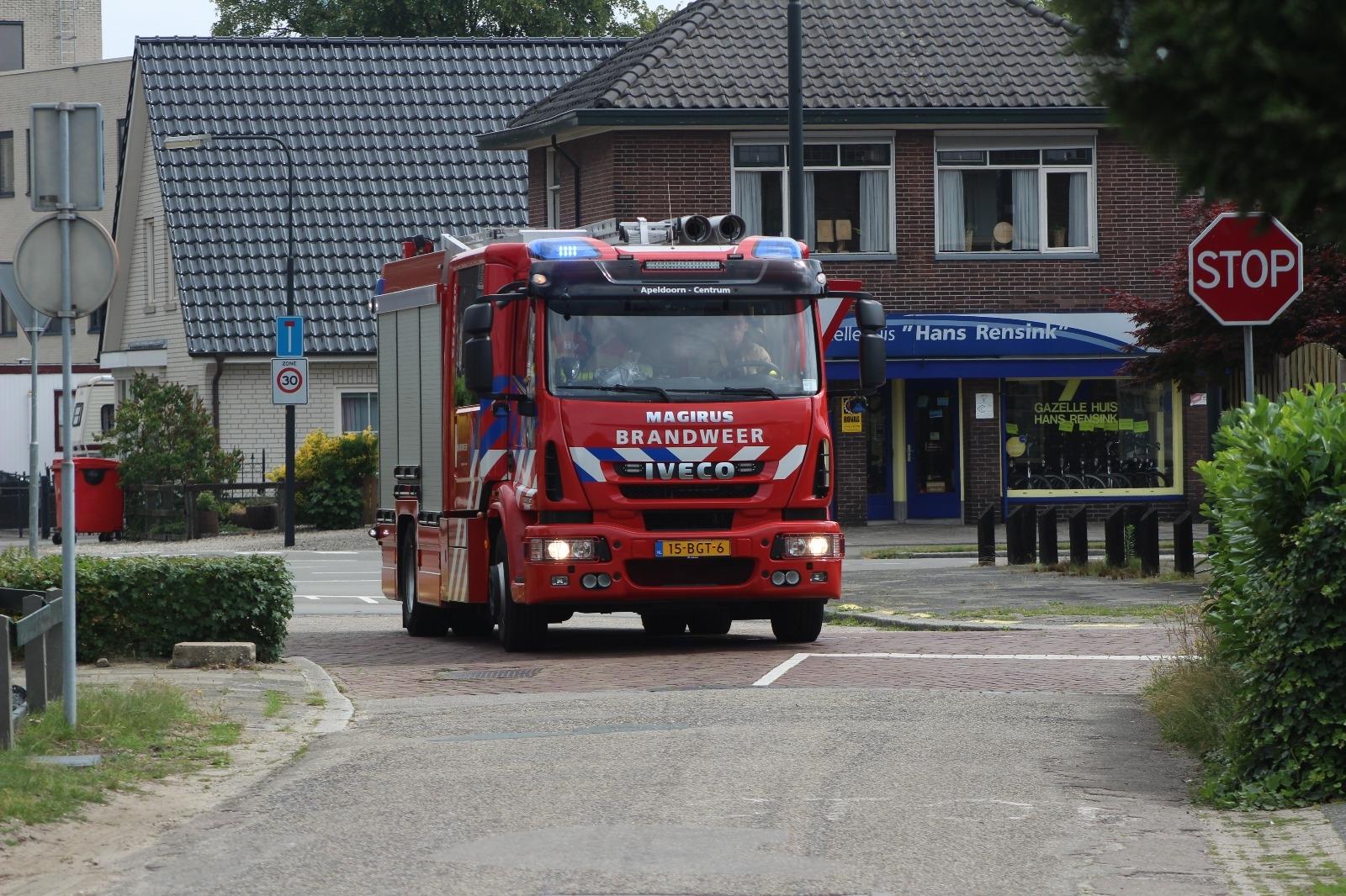 Brandweer voert nacontrole uit na brand bij een woning