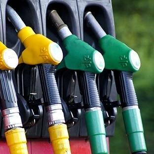 Pomp tankstation soms leeg door tekort aan chauffeurs en de droogte