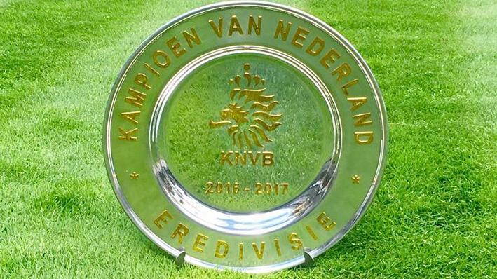 Kampioensschaal niet voor hetnneerst in Apeldoornse handen