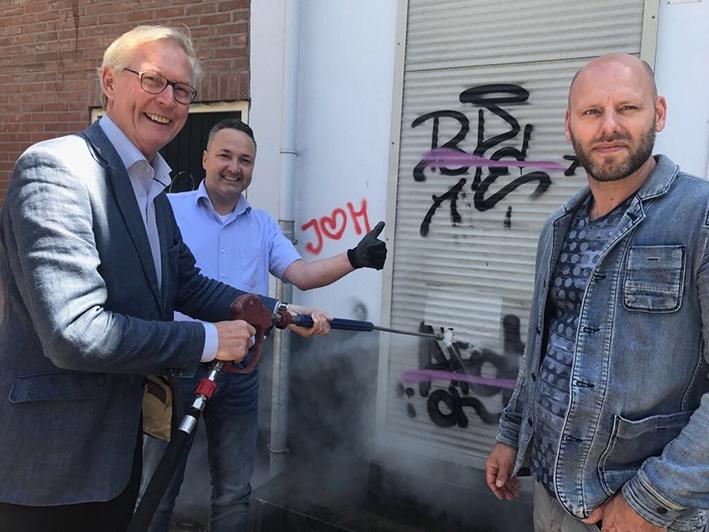 Ondernemers en gemeente maken samen de binnenstad graffitivrij
