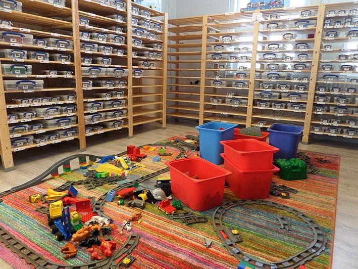 Legotheek groeit op alle fronten