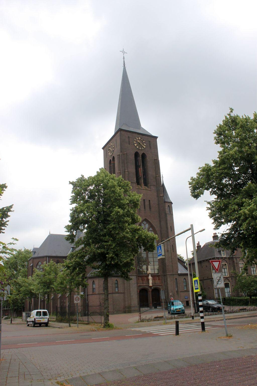 Rooms-katholieke Heilig Hartkerk verkocht