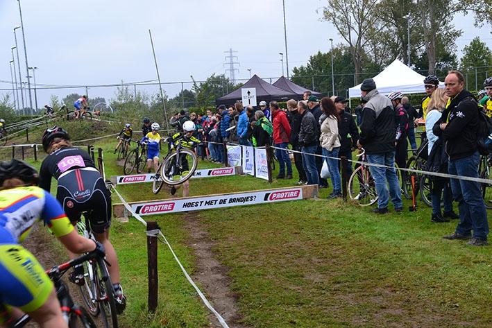 Competitie veldrijden start in Zutphen