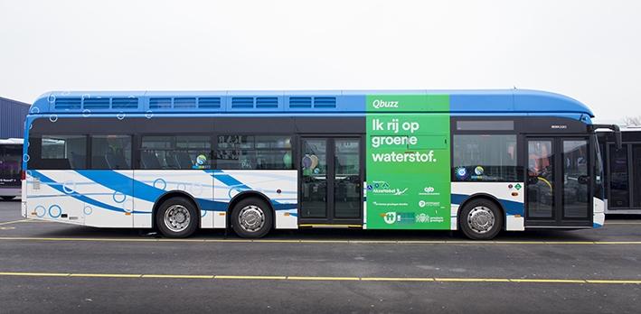 Twee waterstofbussen op de Veluwe