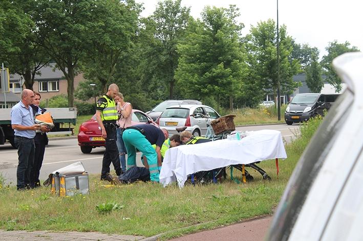 Fietsster raakt gewond na aanrijding met auto