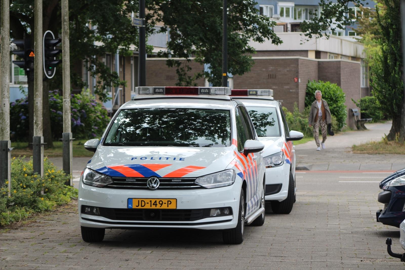 Politie houdt vijf personen aan na invallen