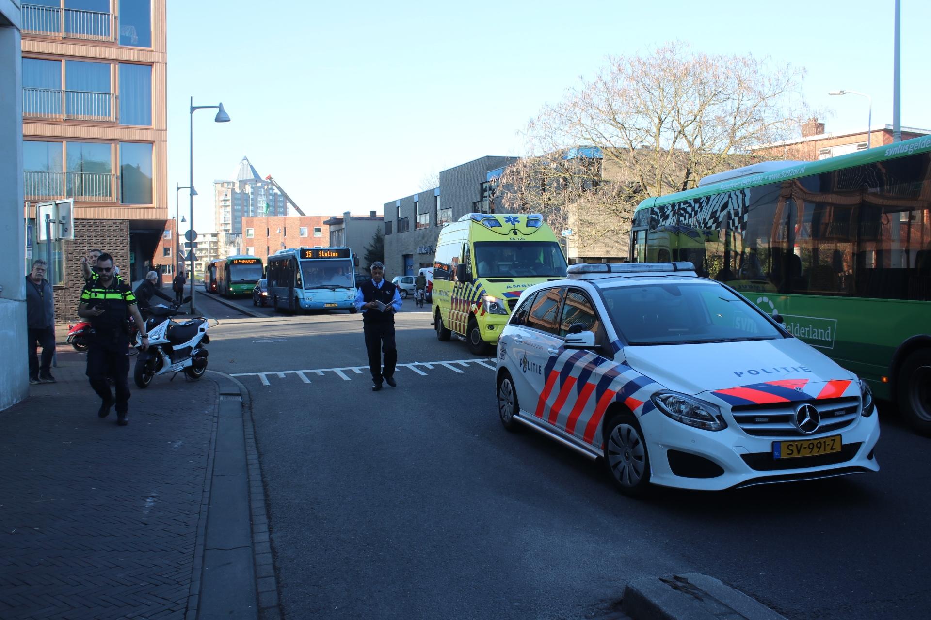 Scooterrijder gewond na aanrijding met Lijnbus