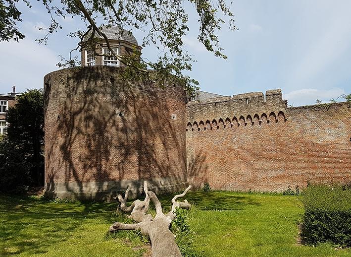 Opknapbeurt voor Bourgonjetoren en stadsmuur