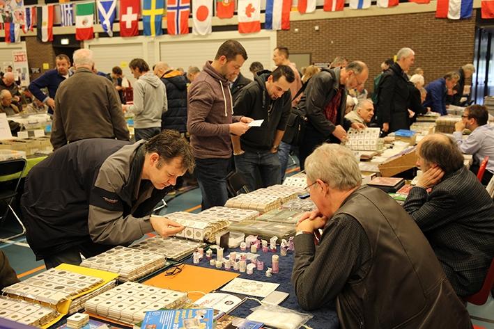 Handelsbeurs met postzegels en munten