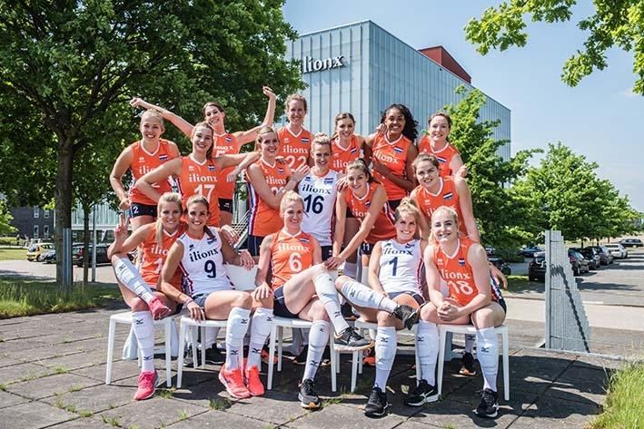Volleybalsters Oranje terug in Apeldoorn