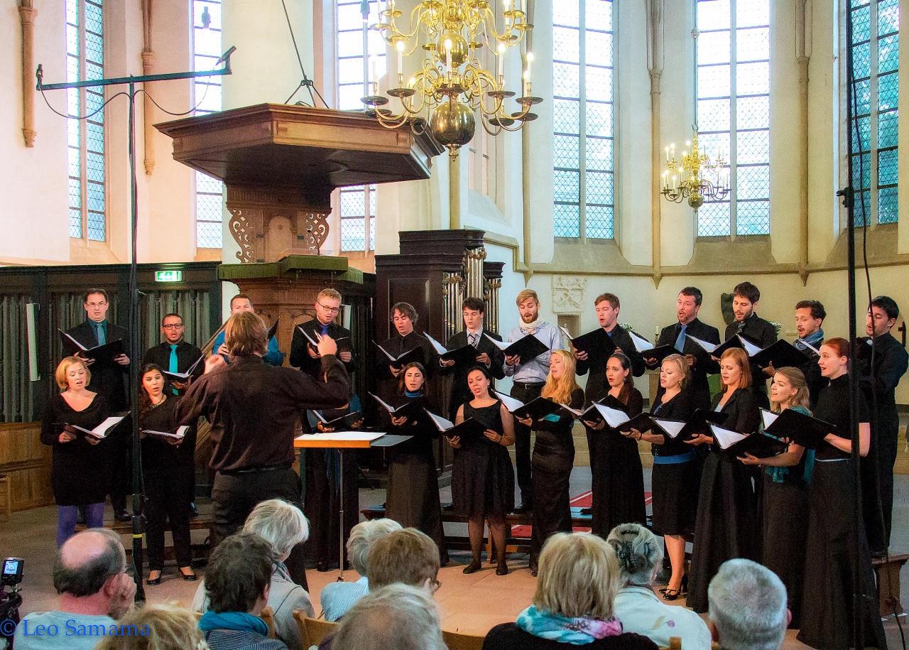 Tenso Europees kamerkoor in Grote of St.- Gudulakerk
