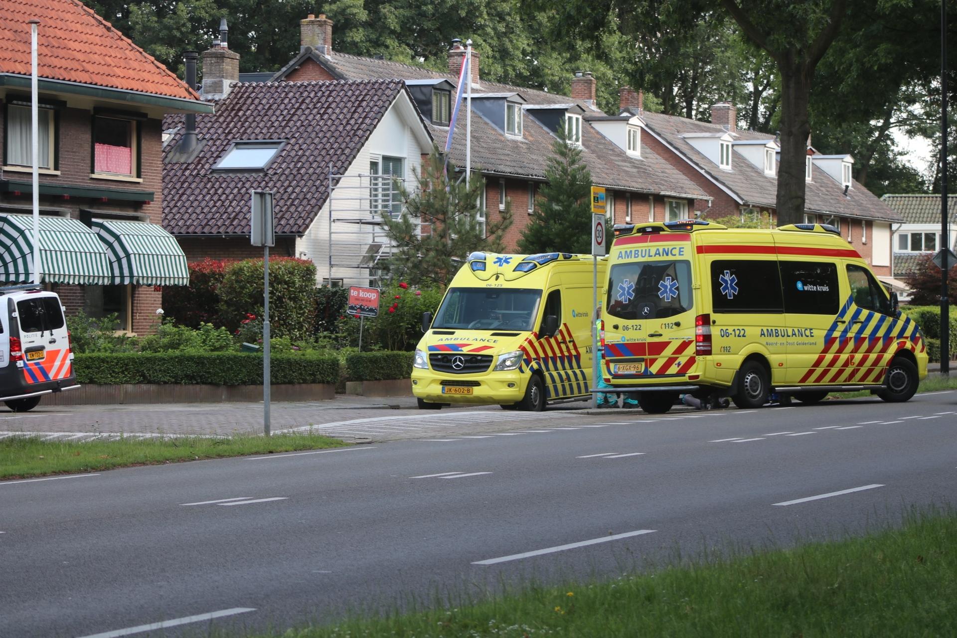 Man komt ten val en raakt gewond in Apeldoorn