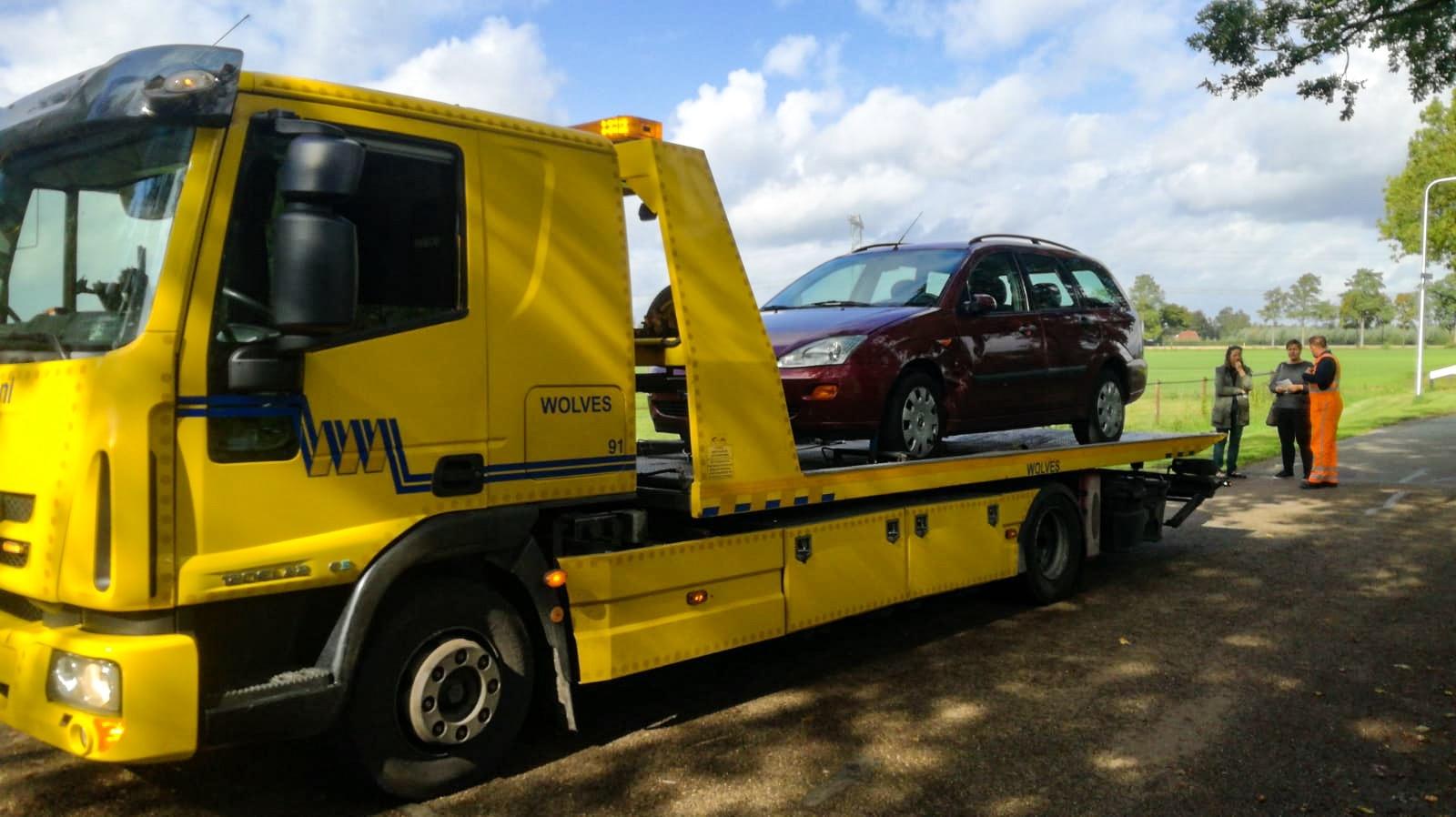 Bromfietser raakt gewond bij botsing met auto in buitengebied van Zutphen