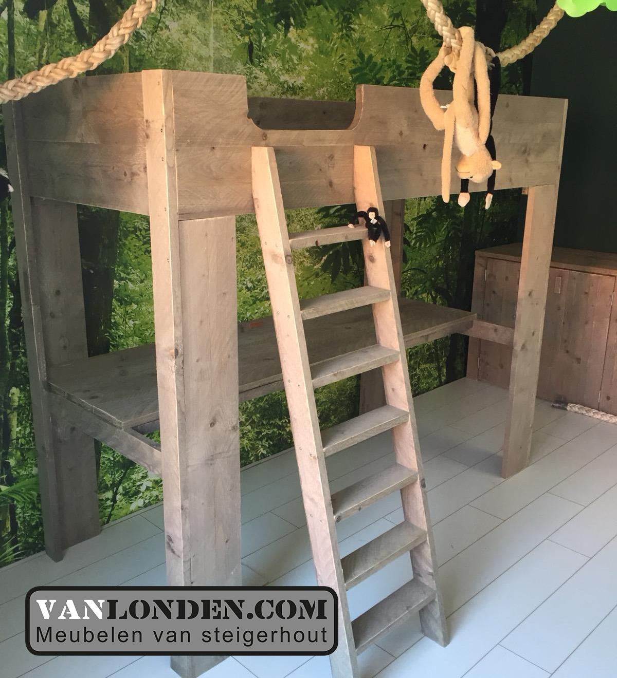 VanLonden maakt oersterke meubelen