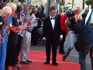 Groot feest bij première Anders Bekeken