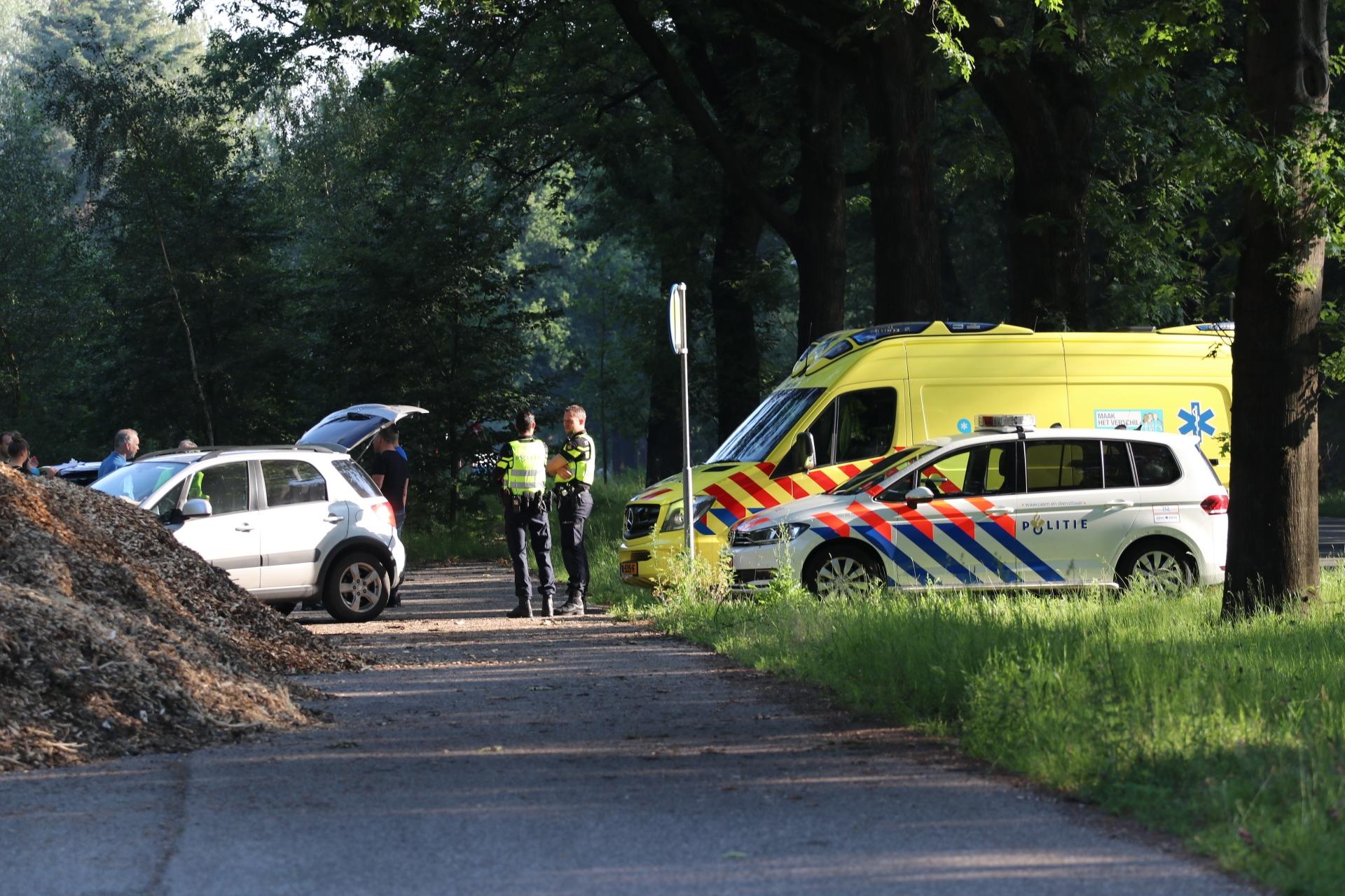 Kop-staartbotsing op de Arnhemseweg in Apeldoorn