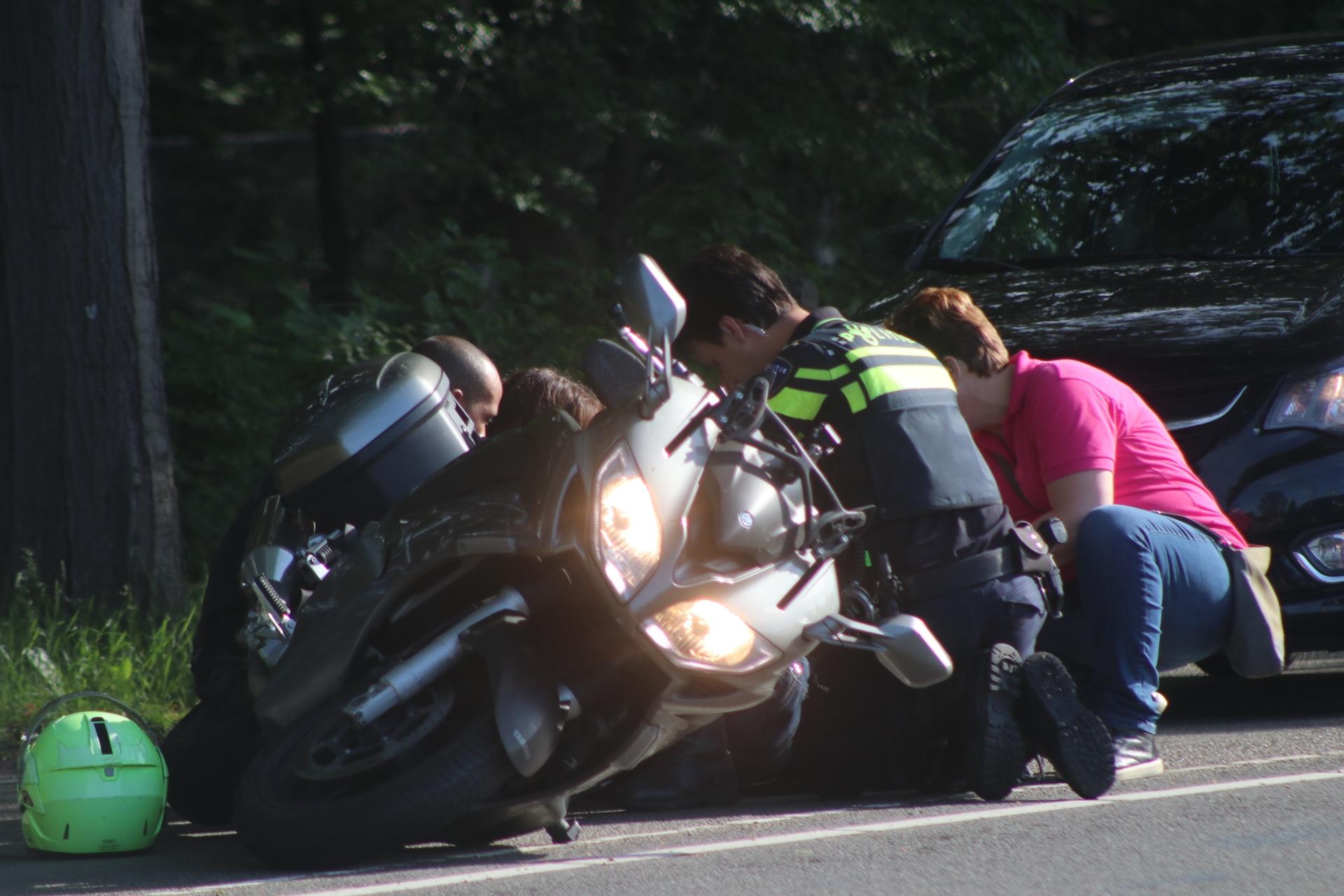 Motorrijder gewond na aanrijding op de Europaweg in Apeldoorn