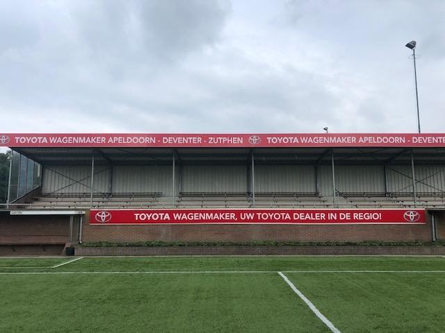 Nieuwe tribune open tijdens toernooi