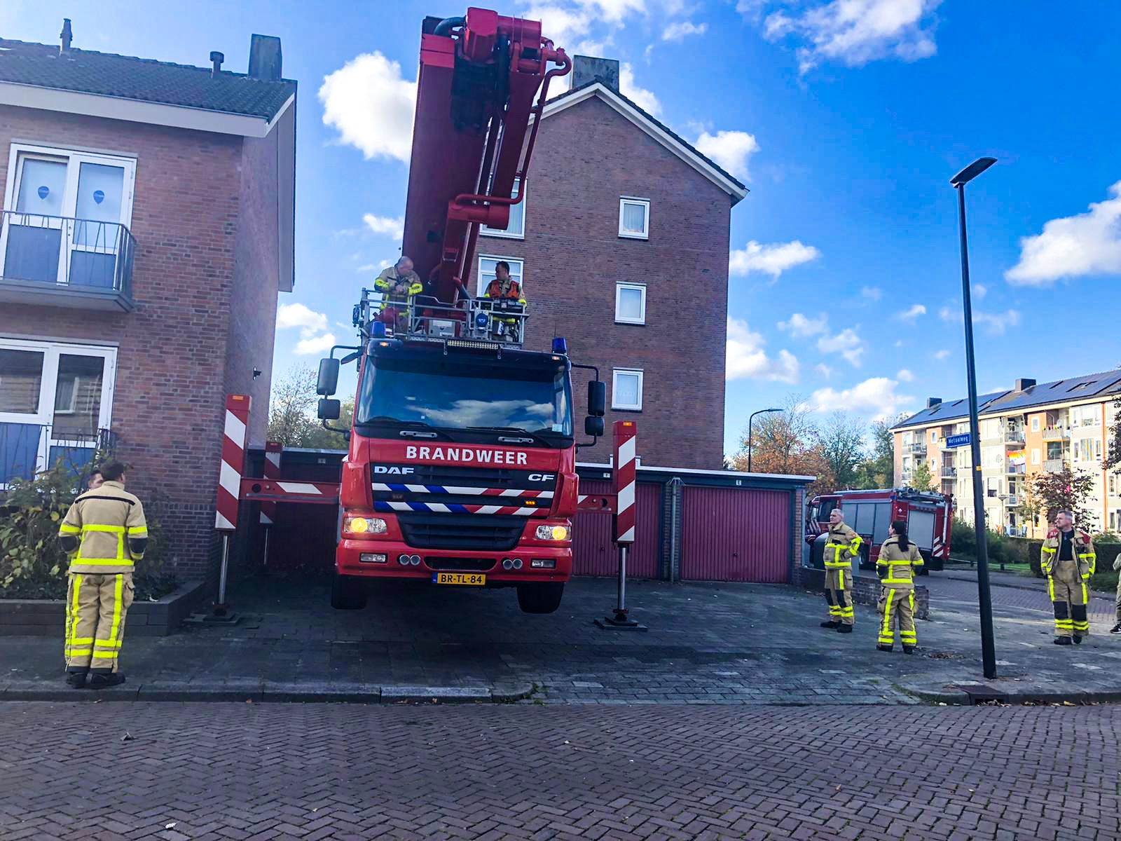 Bewoonster sluit zich zelf buiten; brandweer schiet te hulp