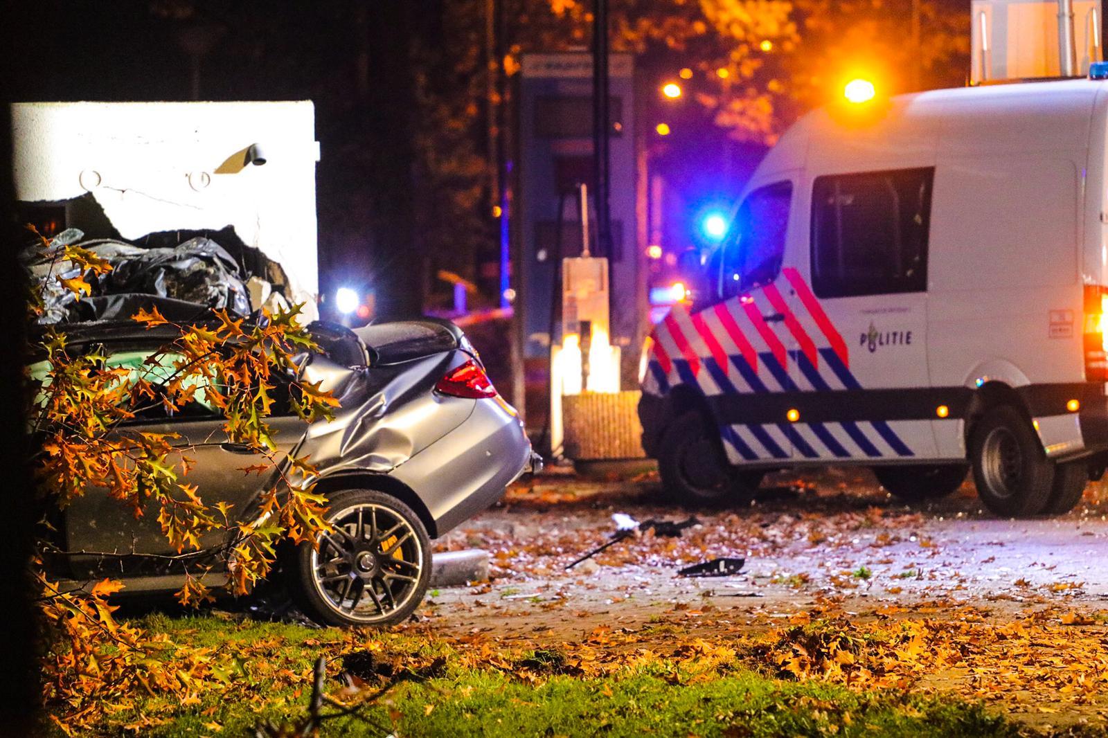 Automobilist raakt macht over het stuur kwijt en raakt zwaargewond