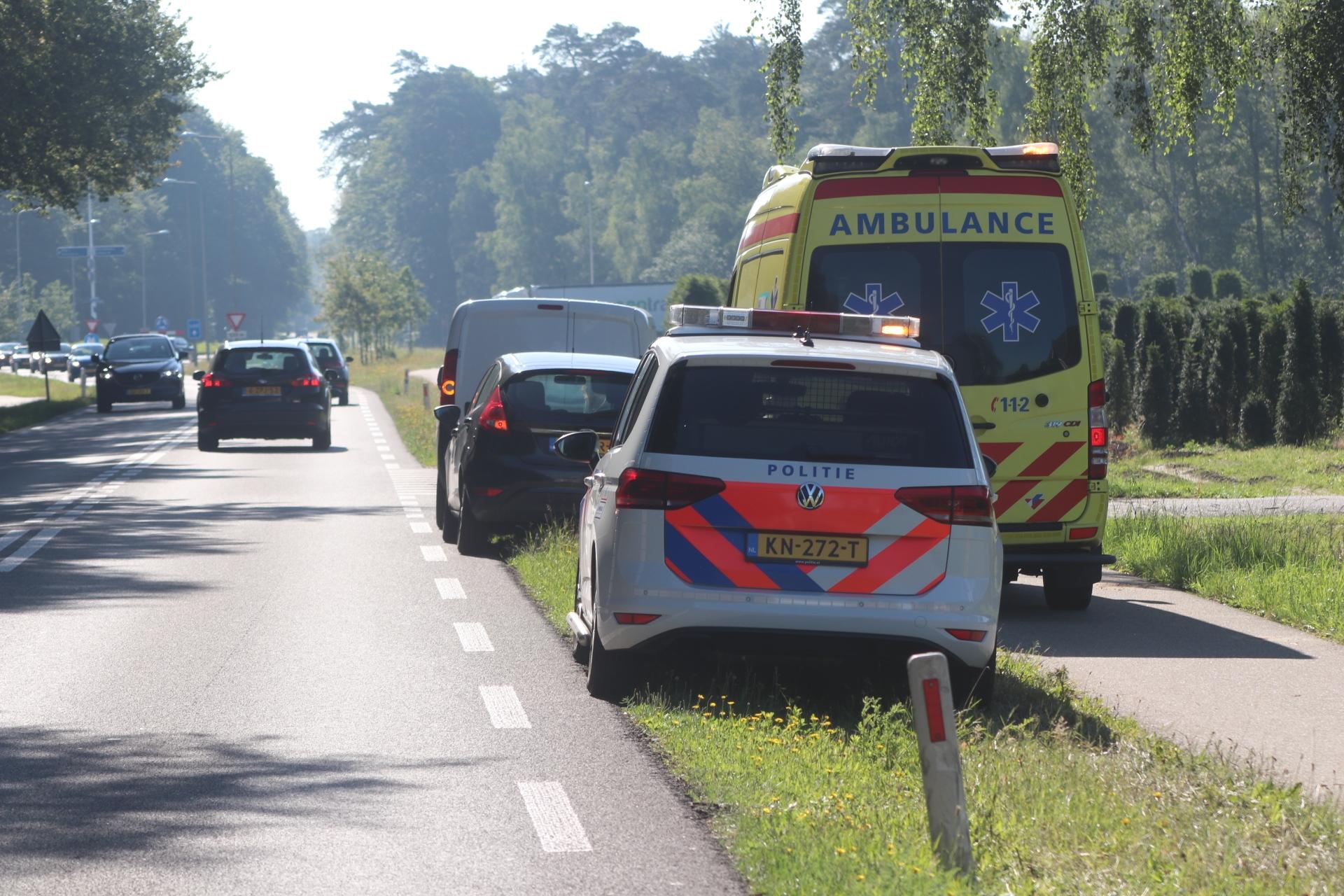 Man raakt lichtgewond bij aanrijding in Klarenbeek