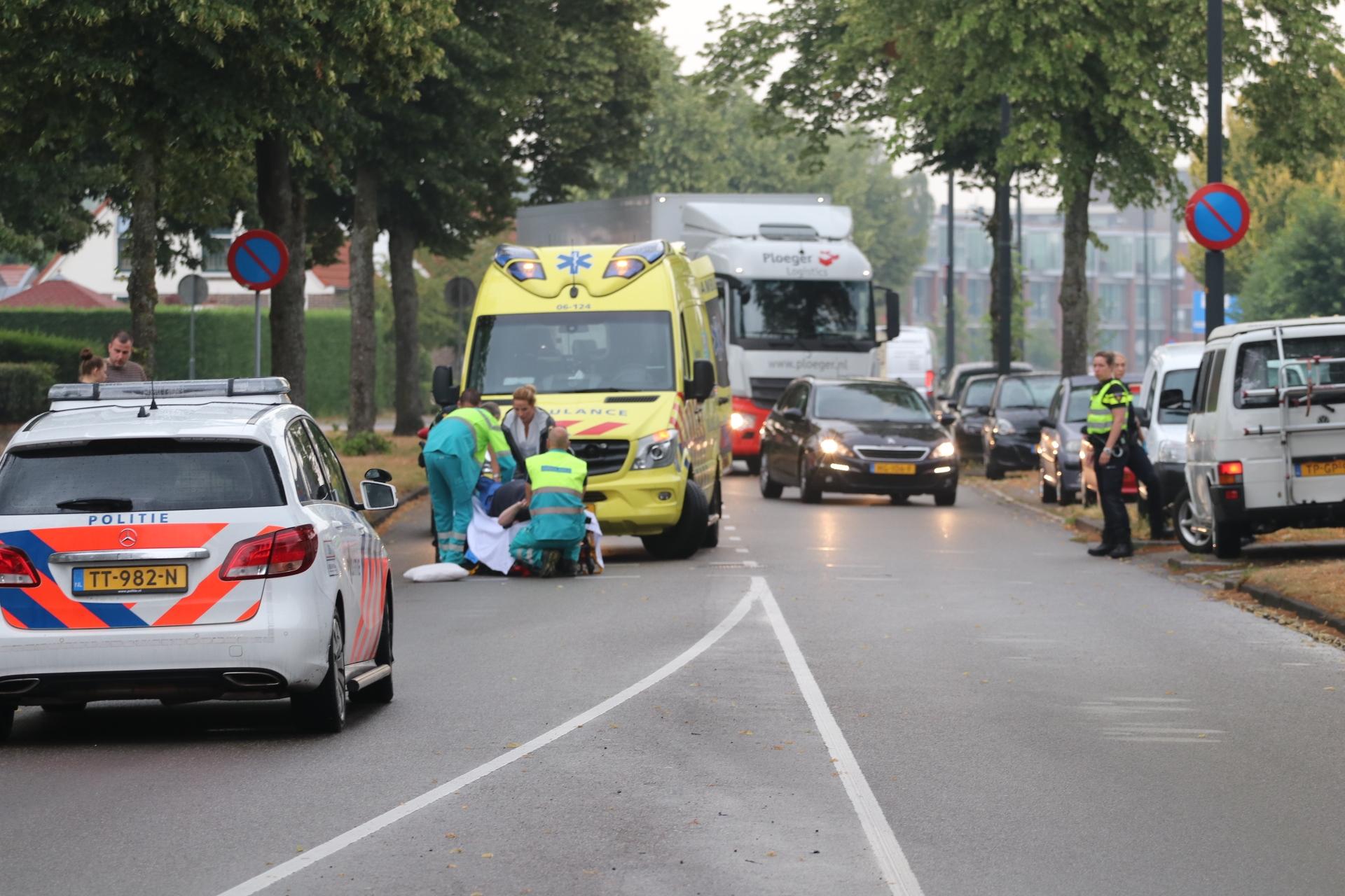 Scooterrijder gewond na ongeval op de Aluminiumweg in Apeldoorn