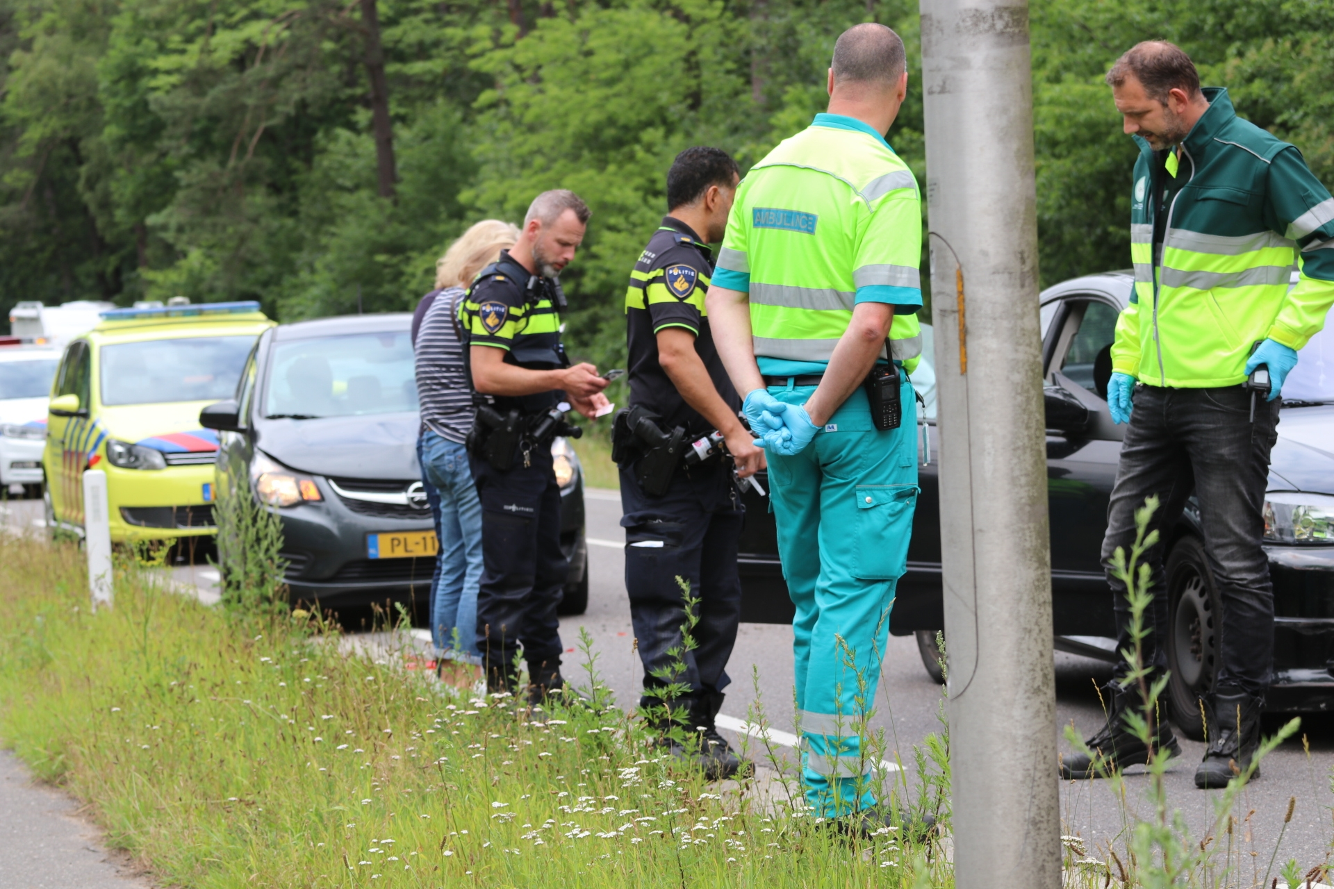 Autos lopen schade op bij aanrijding in Beekbergen'